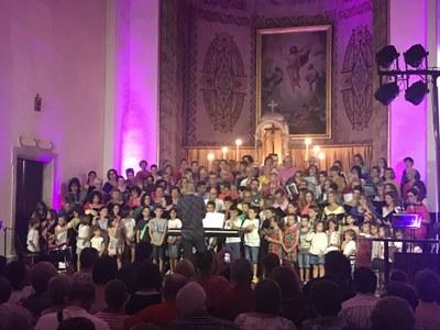 Concert de presentació del cor Juneda Canta a l'església de Juneda
