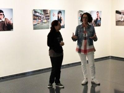 Inauguració de l'exposició 'Somies o treballes' de la Mercè Bellera al Complex Cultural