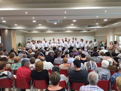 Jornada de portes obertes i actuació d'Els Cantaires a la Residència L'Anunciata