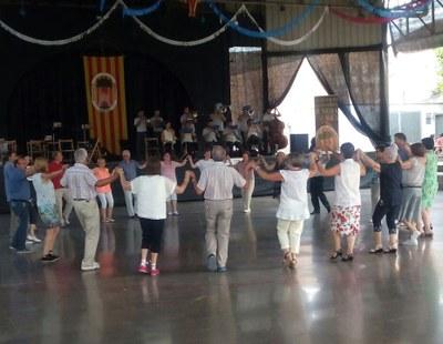 Juneda celebra malgrat la calor un lluït 35è Aplec de la Sardana