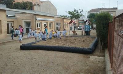 Nova zona de jocs a l'escola Manuel Ortiz